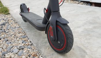 Xiaomi M365 PRO Review Front Wheel side