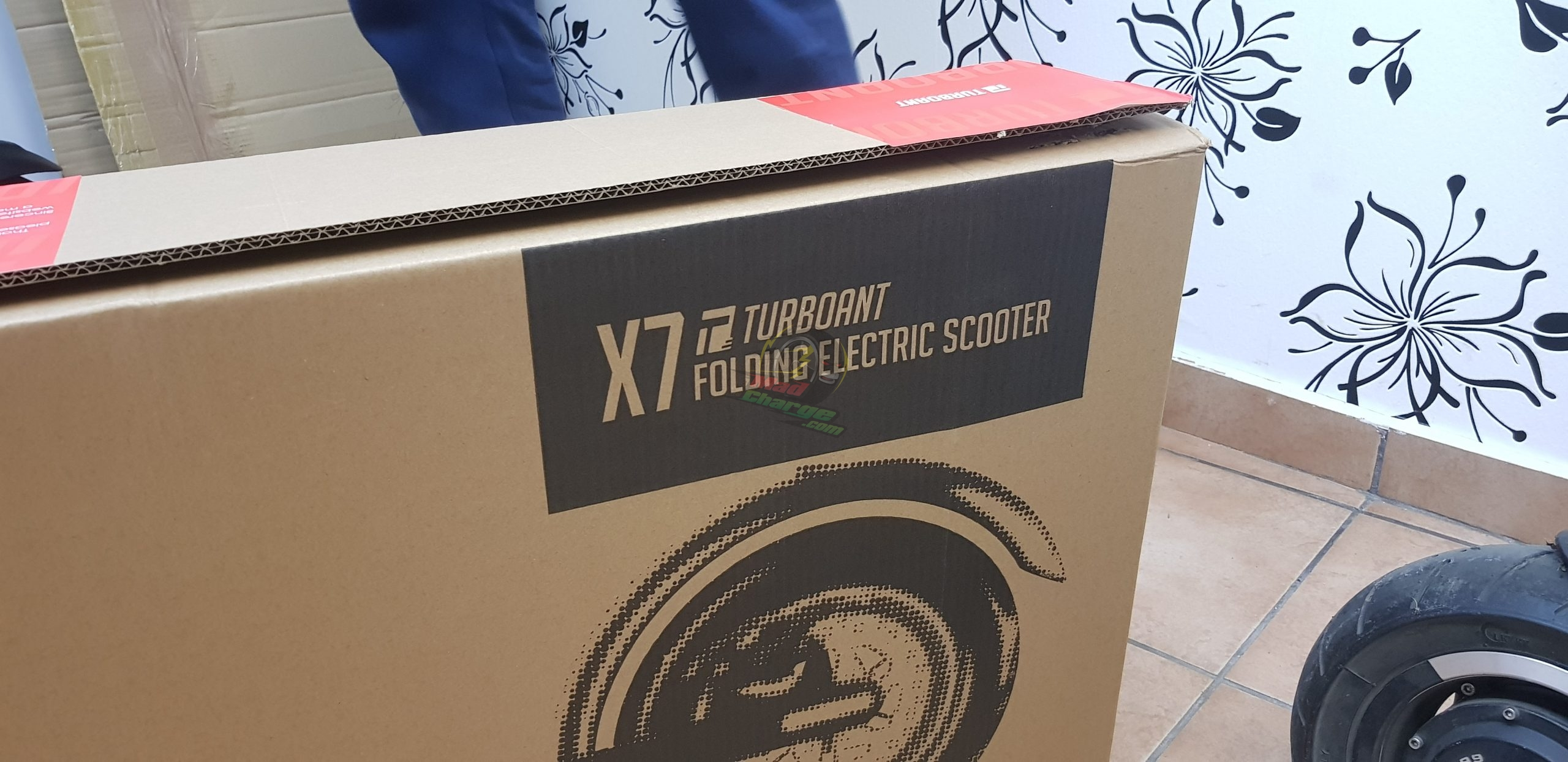Turboant X7 Unboxing The Box 2 with logo